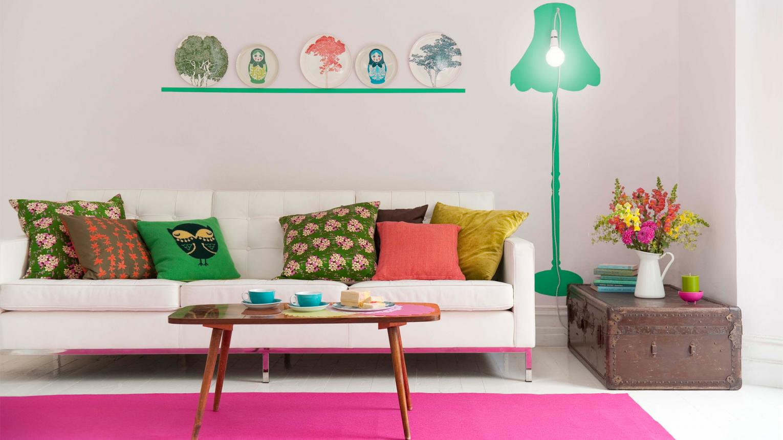 Use fresh, vivid shades of pink and green to enliven a room.
