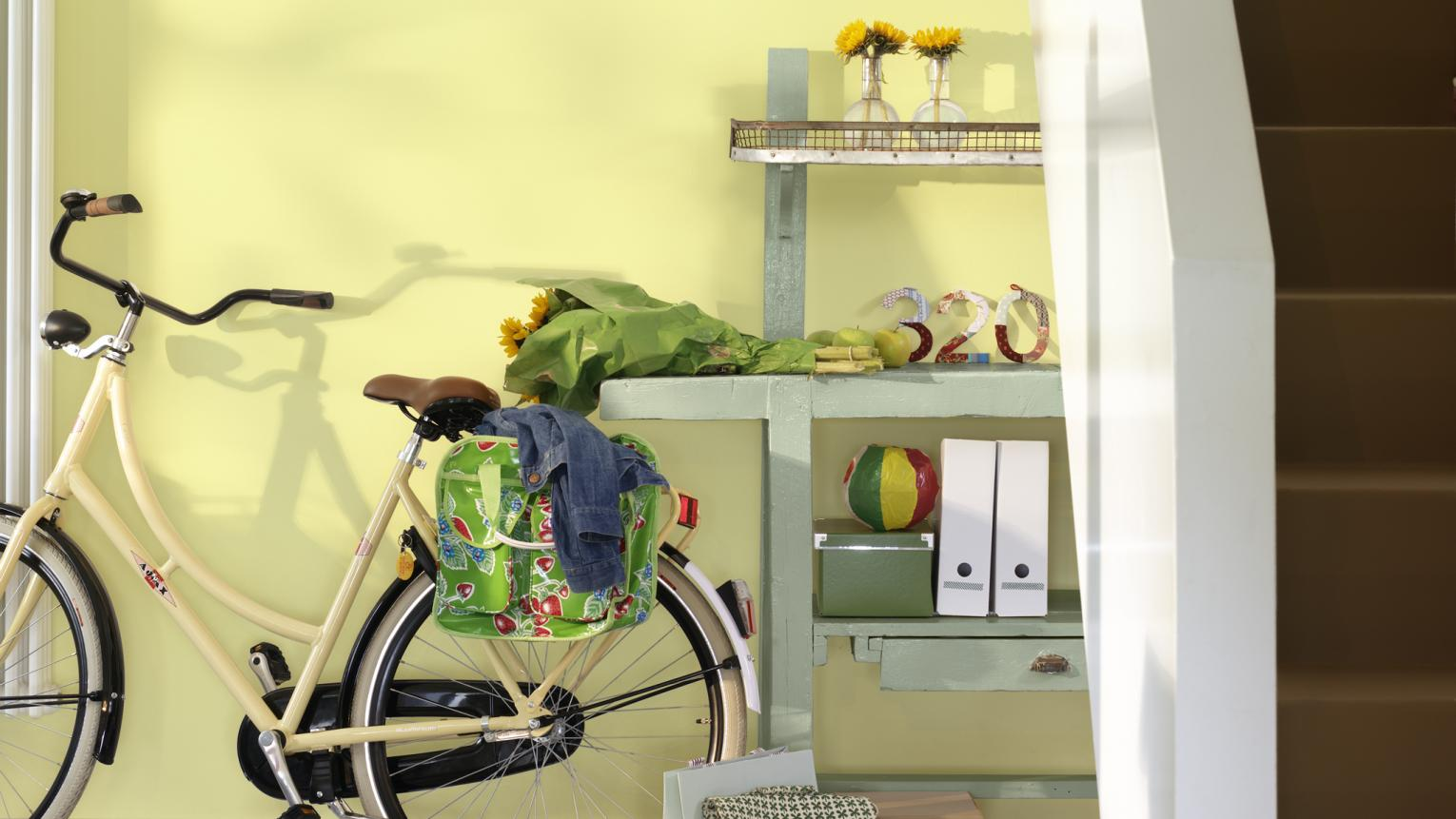 Use refreshing lemon yellow and green to enhance natural light.