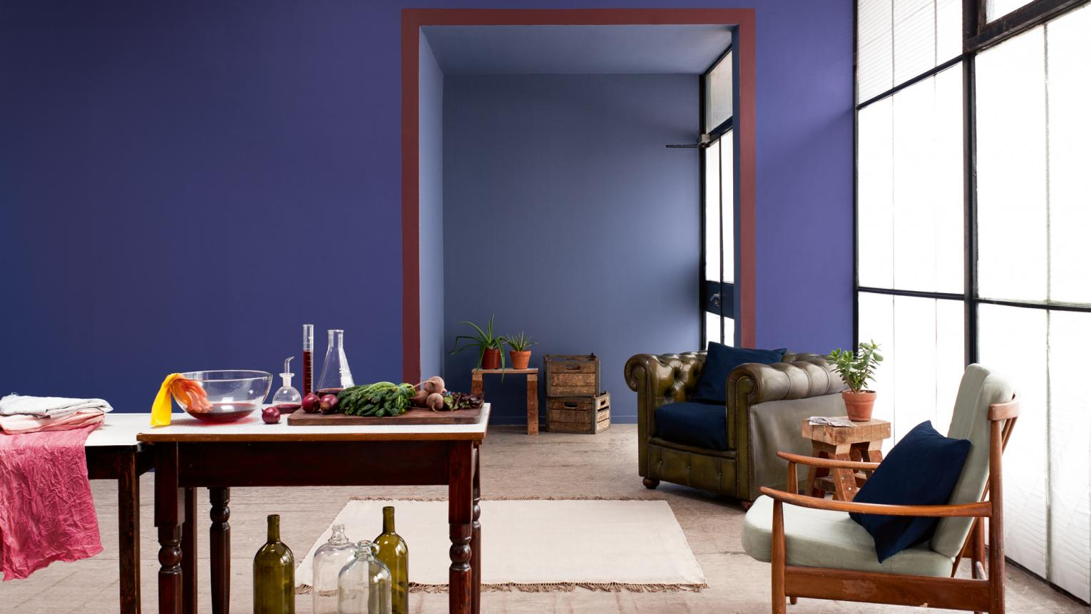 Warm blue paired with earthy red creates a natural harmony.