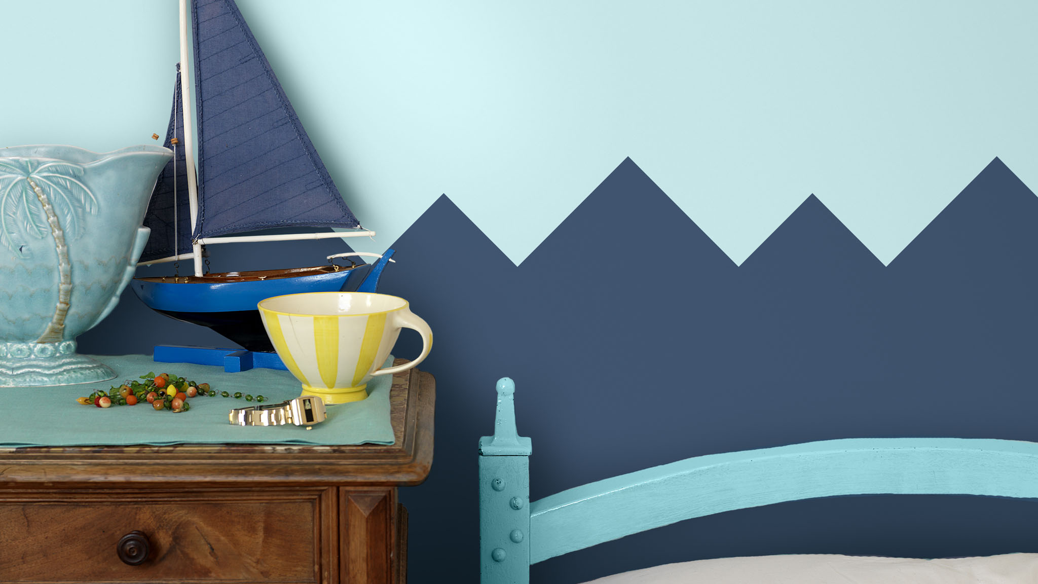 Create a sea-themed bedroom for your kid using geometric shapes