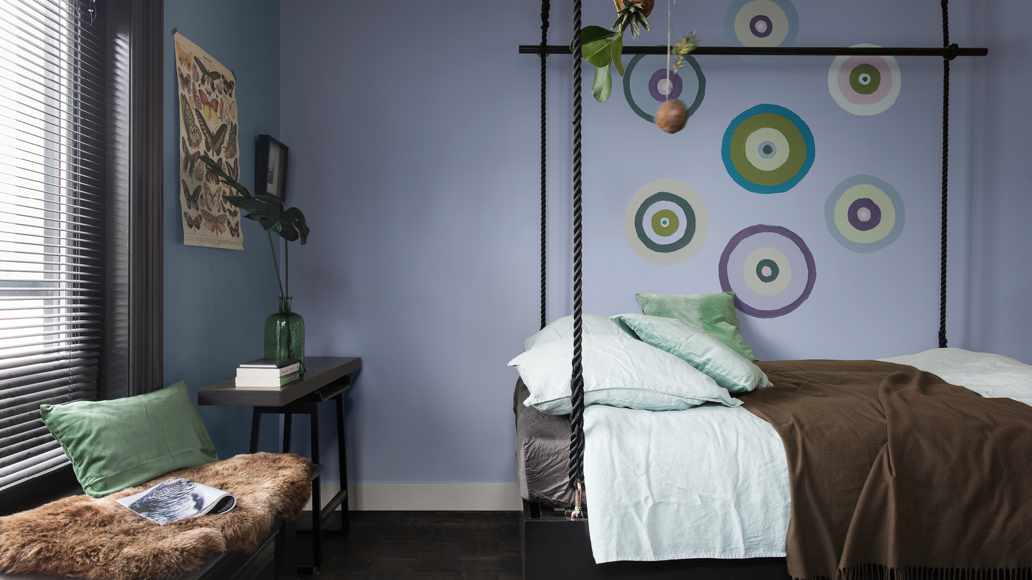Use simple, hand-painted motifs to pick out individual colours in your room layout.